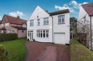 5 Bedrooms Detached House for sale in Tudor Avenue, Prestatyn, Denbighshire, Denbs, LL19