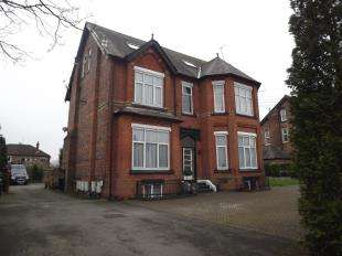1 Bedroom Flat for sale in Queens Road, Sale, Greater Manchester