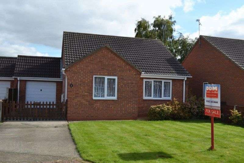 2 Bedrooms Detached Bungalow for sale in The Millfield, Hibaldstow