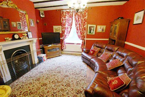 3 Bedrooms Terraced House for sale in Oldham Road, Delph