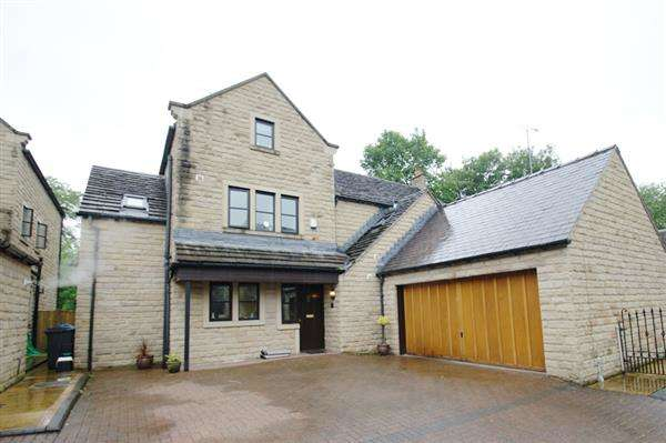 5 Bedrooms Detached House for sale in New Bank Close, Dobcross