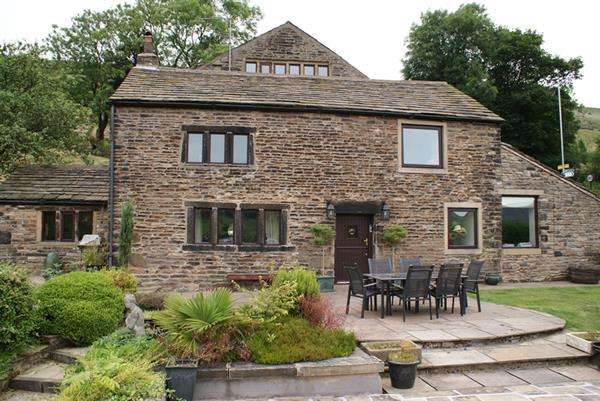 5 Bedrooms Detached House for sale in Longcroft, Marslands, Diggle