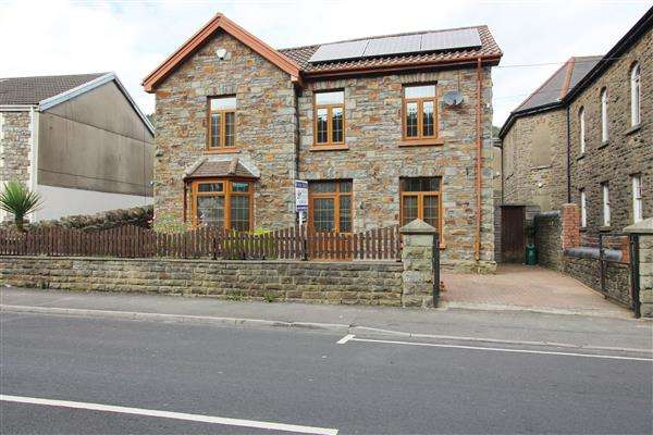 4 Bedrooms Detached House for sale in Park Manse, Cwmparc, Treorchy