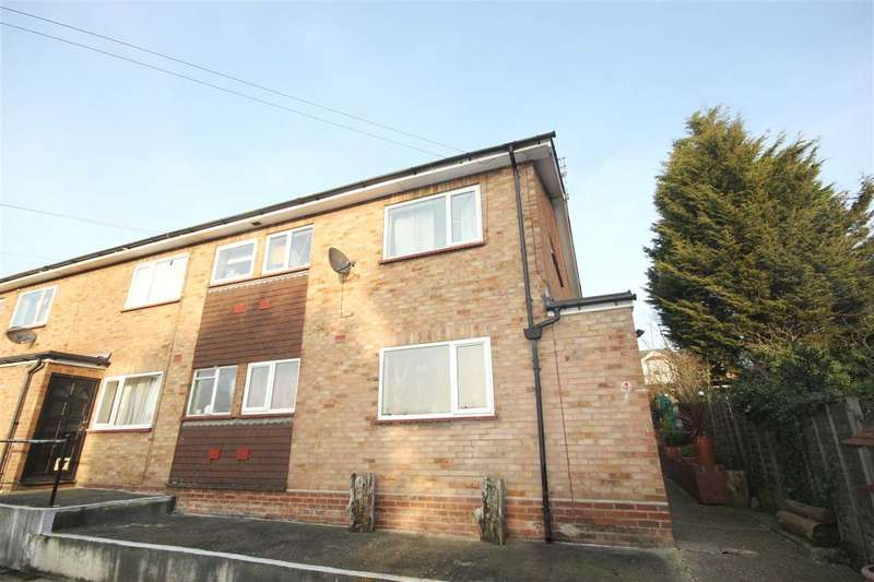 1 Bedroom Flat for sale in Greenstead Court, Colchester