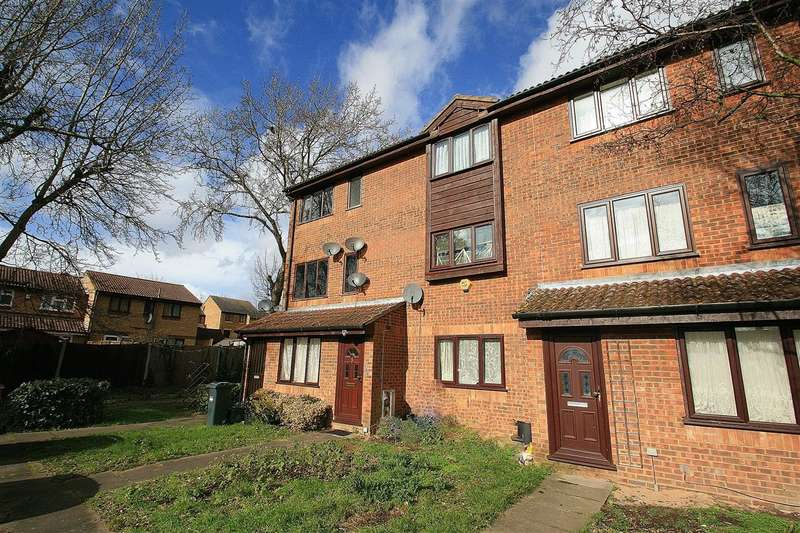 2 Bedrooms Maisonette Flat for sale in NORWOOD GREEN BORDERS
