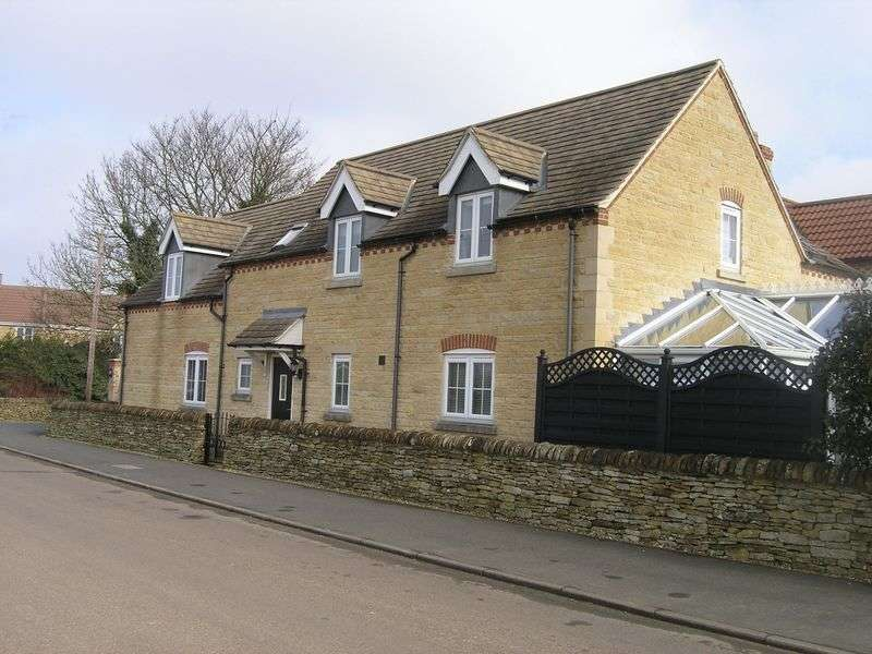 4 Bedrooms Detached House for sale in Sanders Walk, Stamford