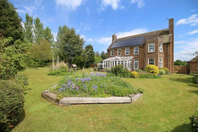 5 Bedrooms Detached House for sale in Montgomery Square, Driffield