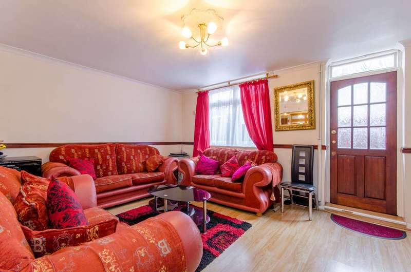 3 Bedrooms Flat for sale in Manchester Road, Isle Of Dogs, E14