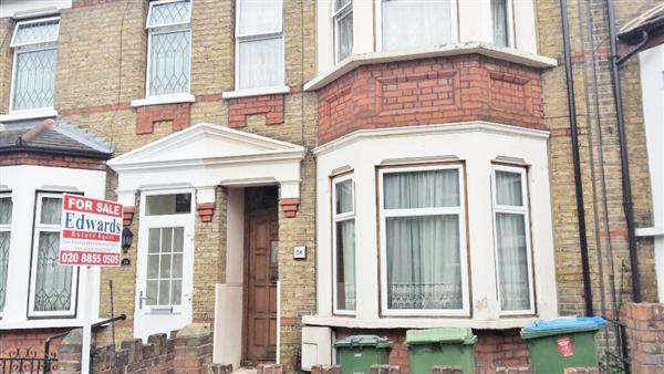 3 Bedrooms Terraced House for sale in Kashgar Road, LONDON