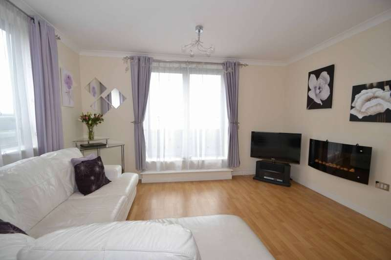 1 Bedroom Penthouse Flat for sale in Quayside Drive, Colchester, Essex, CO2