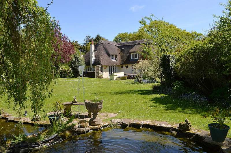4 Bedrooms Detached House for sale in Crabbswood Lane, Sway, Lymington, Hampshire, SO41