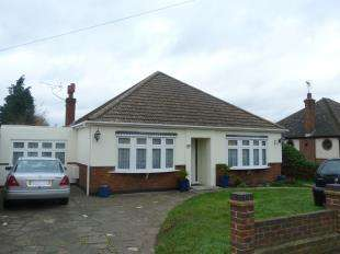 4 Bedrooms Bungalow for sale in Rainham