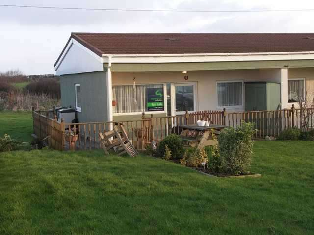 2 Bedrooms Bungalow for sale in Bacton, Norwich, Norfolk, NR12