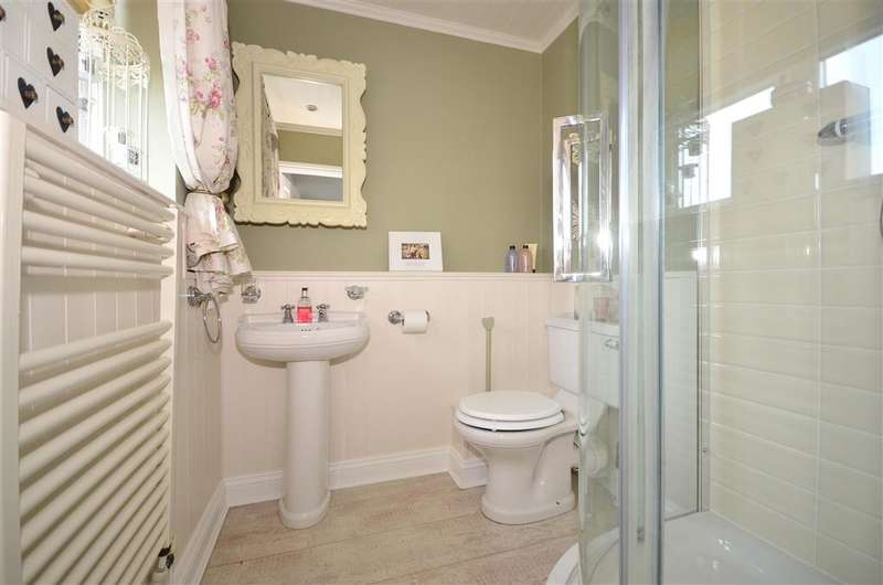 4 Bedrooms Detached House for sale in Fielding Drive, Larkfield, Aylesford, Kent