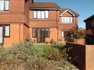 2 Bedrooms Terraced House for sale in Locks Road, Locks Heath, Southampton