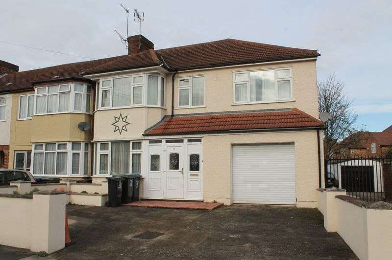 4 Bedrooms Terraced House for sale in Broadlands Avenue, Enfield