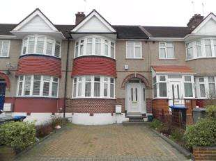 3 Bedrooms Terraced House for sale in Dimsdale Drive, Kingsbury, London