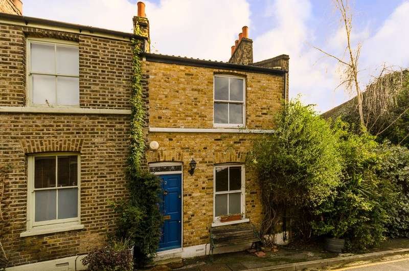 2 Bedrooms House for sale in Trinity Grove, Greenwich, SE10