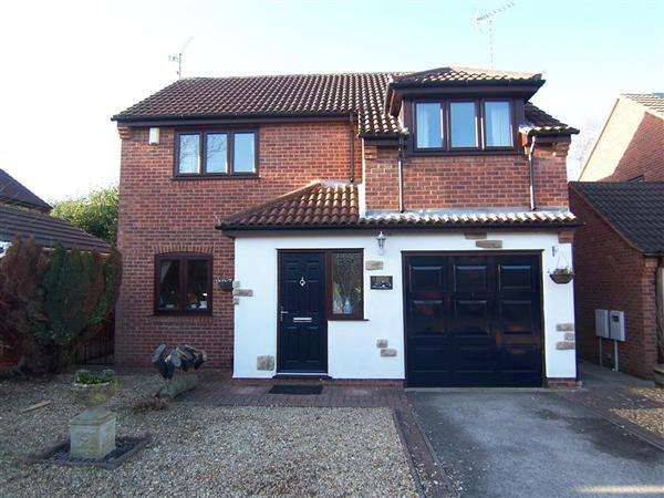 4 Bedrooms Detached House for sale in Birchfield Park, Buxton Avenue, Marlpool