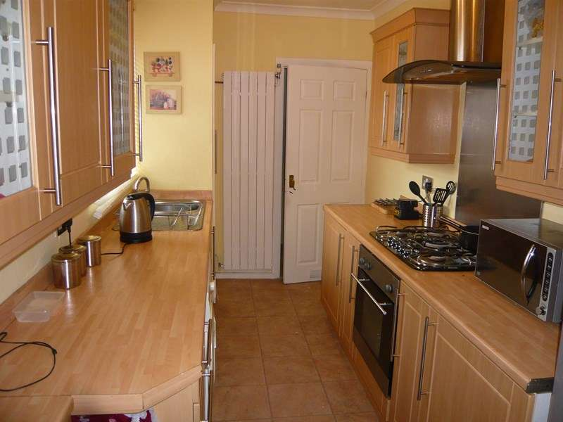 3 Bedrooms Flat for sale in Spohr Terrace, South Shields