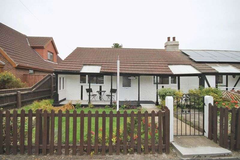 2 Bedrooms Semi Detached Bungalow for sale in ANNINGSON LANE, NEW WALTHAM