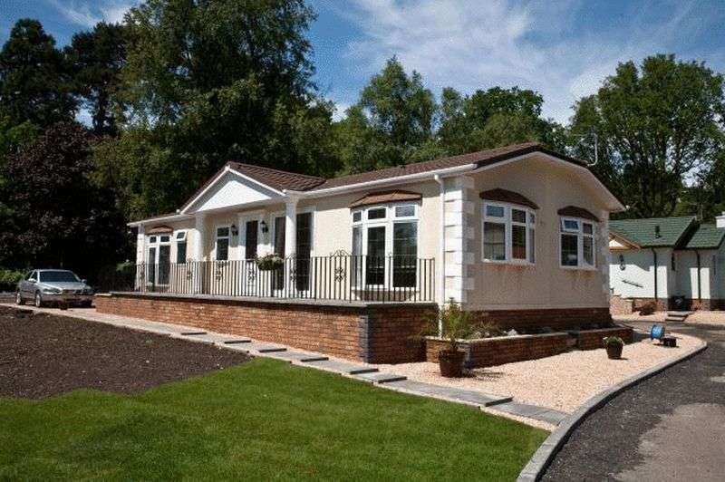 2 Bedrooms Bungalow for sale in Stately Albion Chatsworth (40 x 20)