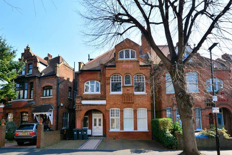 2 Bedrooms Flat for sale in Grange Road, Chiswick, W4