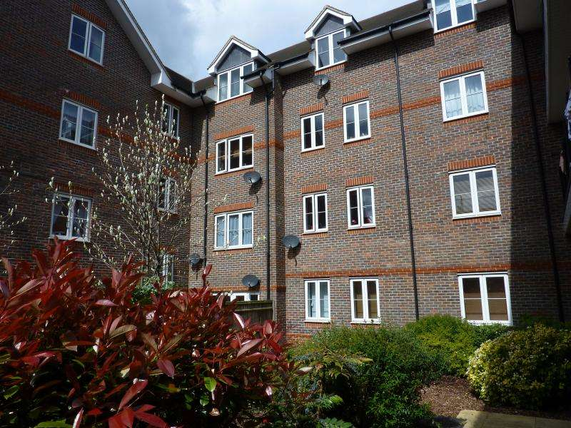 1 Bedroom Apartment Flat for sale in Fieldview Court