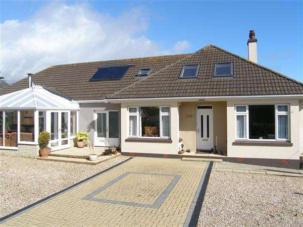 7 Bedrooms Bungalow for sale in Gorran Haven, St Austell, Cornwall