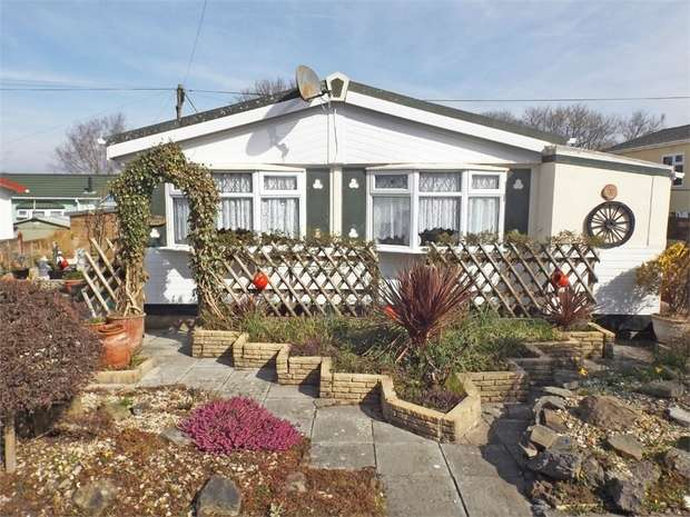 3 Bedrooms Detached Bungalow for sale in Cannisland Park, Parkmill, Swansea, West Glamorgan