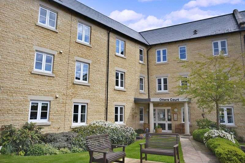 1 Bedroom Retirement Property for sale in Otters Court, Witney, OX28 1GJ