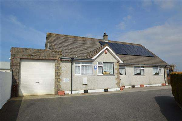 6 Bedrooms Bungalow for sale in CARNKIE, WENDRON