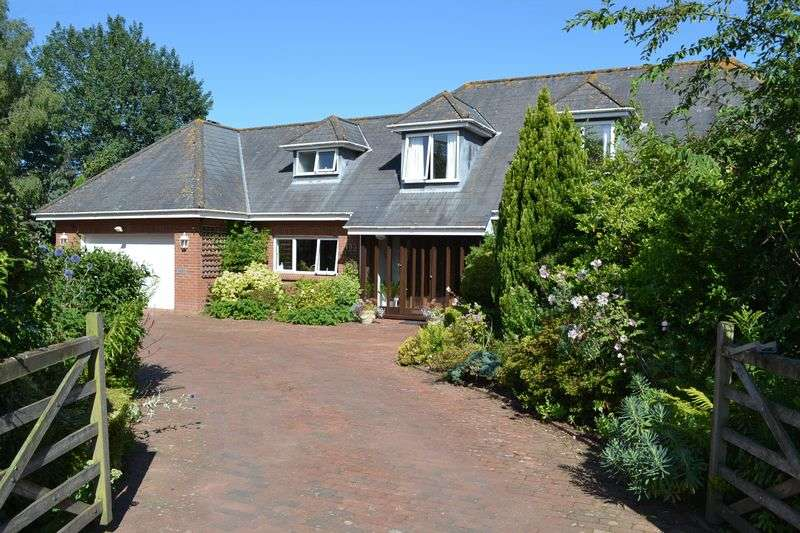 4 Bedrooms Detached Bungalow for sale in Church Road, Colaton Raleigh