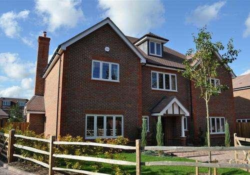 5 Bedrooms Detached House for rent in Temple Mead, Gerrards Cross, Buckinghamshire, SL9 7EZ