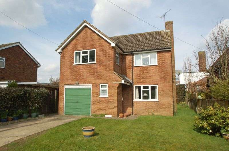 3 Bedrooms Detached House for sale in Holmer Green