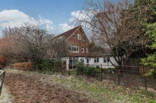 6 Bedrooms Detached House for sale in Horsham Road, Findon, Worthing, West Sussex