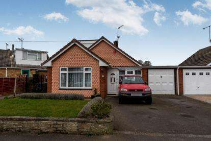 4 Bedrooms Bungalow for sale in Meadow Lane, Derrington, Stafford, Staffordshire