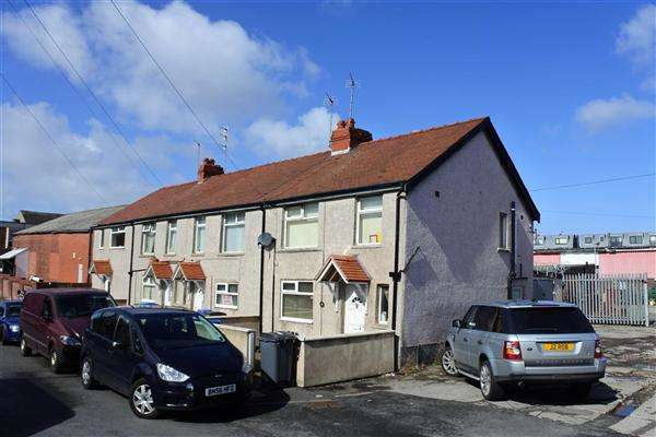 8 Bedrooms Terraced House for sale in Brun Grove, Blackpool