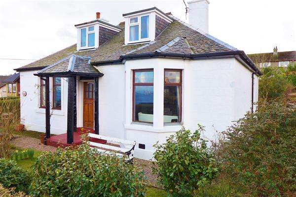 3 Bedrooms Bungalow for sale in Hillcrest, Springbank, Brodick