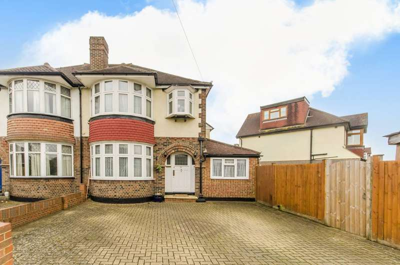 3 Bedrooms Semi Detached House for sale in Woodlands Avenue, Worcester Park, KT4