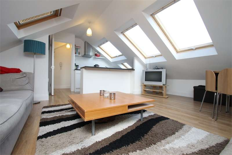 1 Bedroom Flat for sale in Farm Road, N21