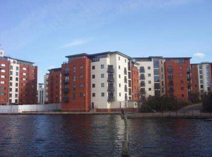 2 Bedrooms Flat for sale in Galleon Way, Cardiff Bay, Cardiff