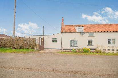 3 Bedrooms House for sale in Old Main Road, Scamblesby, Louth, Lincolnshire
