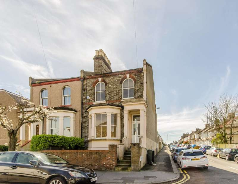 2 Bedrooms Flat for sale in Heath Road, Thornton Heath, CR7