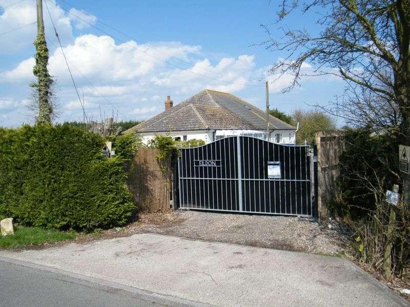 5 Bedrooms Bungalow for sale in Walls Lane, Ingoldmells, Skegness