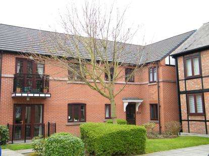 2 Bedrooms Flat for sale in Heber Walk, Northwich, Cheshire