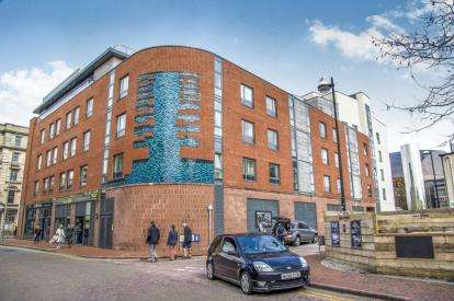 2 Bedrooms Flat for sale in Quayside, Bute Crescent, Cardiff Bay, Cardiff