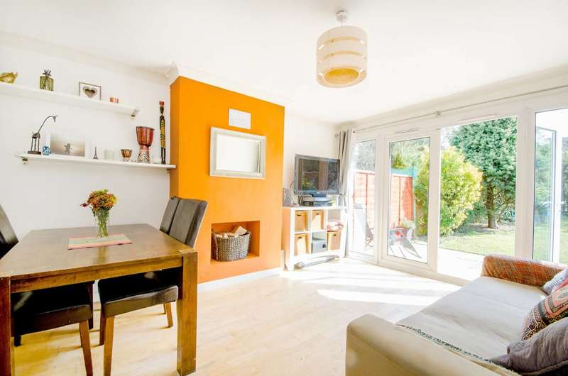 2 Bedrooms Maisonette Flat for sale in Leicester Road, New Barnet, EN5