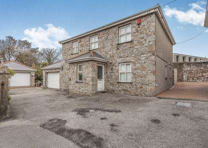 4 Bedrooms Detached House for sale in Camborne, Cornwall, UK