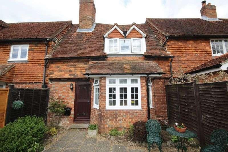 2 Bedrooms Terraced House for sale in Delarue Close, North Tonbridge